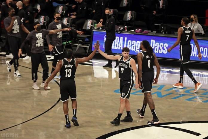 奧尼爾:沒人能在系列賽中擊敗湖人,籃網三巨頭不奪冠就是失敗